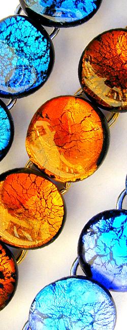 steckohrringe mit perlentropfen und goldblatt
